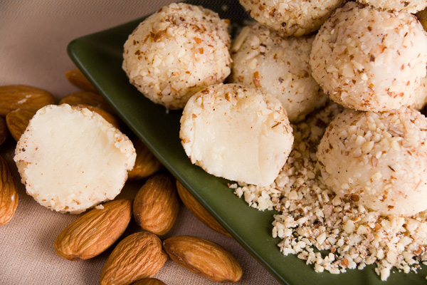 White Chocolate Almond Amaretto Truffles