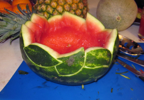 How to Carve a Watermelon Fruit Bowl – Caladium Style!