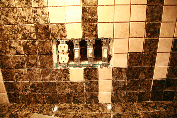 designing a custom tile backsplash - Removing Tile Backsplash