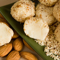 white chocolate almond amaretto truffles recipe