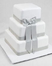 Silvery Bow Wedding Cake